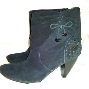 Libby Edelman high heeled black leather booties